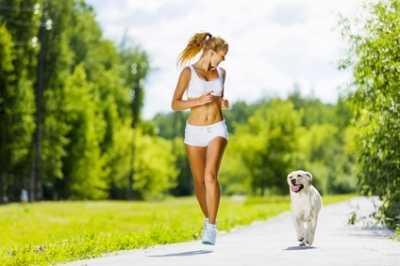 La corsa a piedi con il cane, accessori, tecnica, addestramento